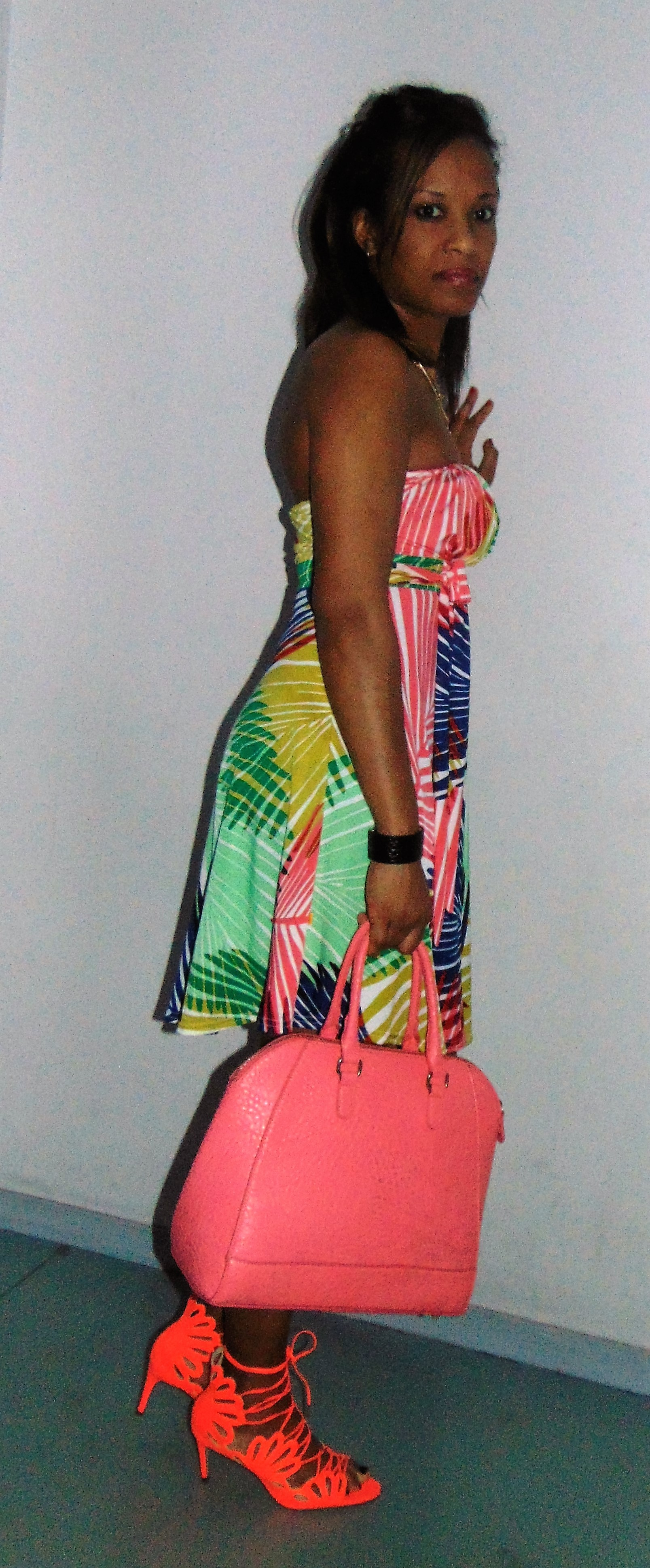 59249209a17 LOOK  Comment je porte ma robe tropicale – TrendysLeMag