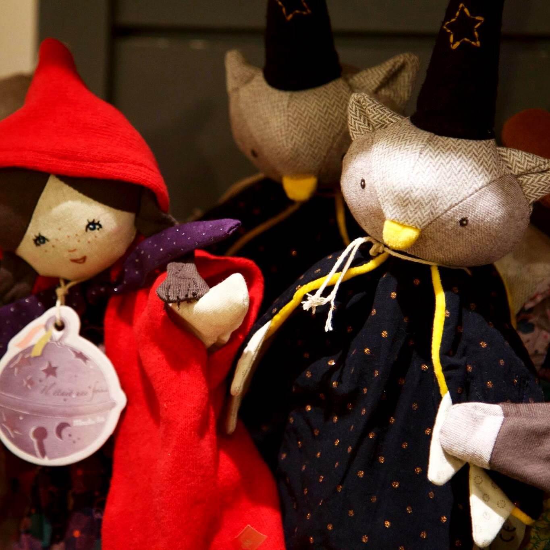 Moulin Roty est une sublime boutique située dans le 11ème arrondissement de  Paris, un joyau qui cache des trésors absolument adorables, des jouets en  bois, ... d3851b8a4276