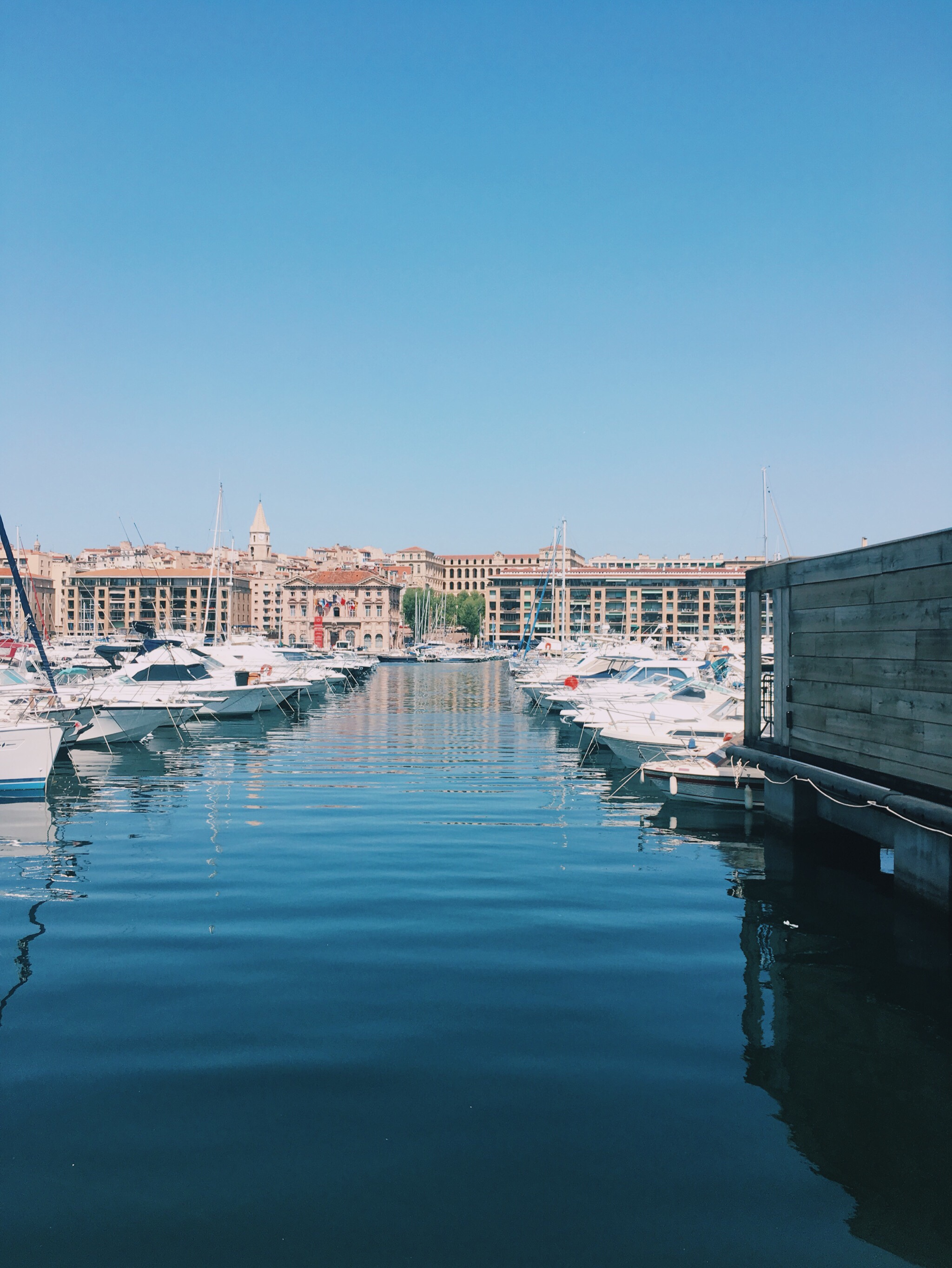 Marseille le restaurant la marini re au vieux port de - Au vieux port restaurant marseille ...