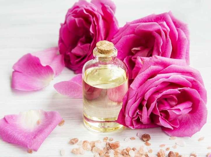Eau de rose en bouteille